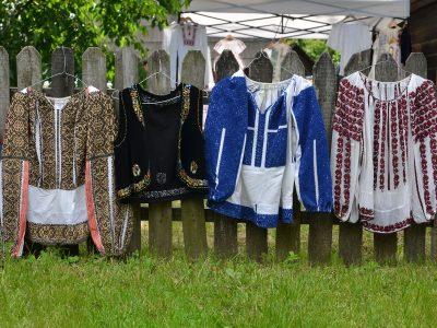 Costumul popular femeiesc din Muscel